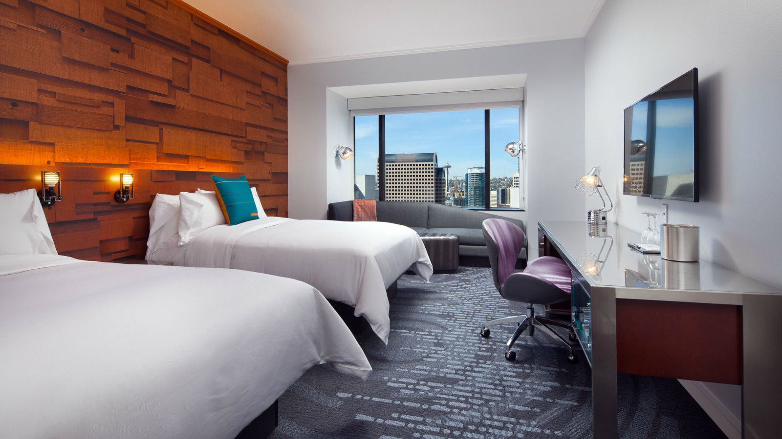 Downtown Seattle Lodging with Amenities - Guestroom